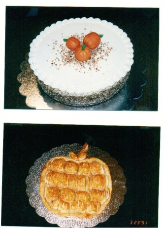 Pumpkin Cheesecake  &  Fresh Apple Tarte